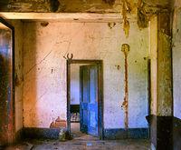 distant,memories,wisconsin,barn,interior