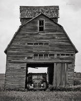 weathered,corn,crib,ohio,leaning