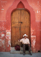 old,mexican,man,doorway,san,miguel,de,allende,mexico