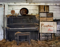 piano,barn,interior,new,hampshire,new,england