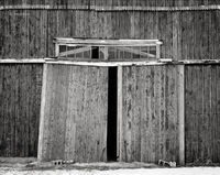 weathered,passage,indiana,barn,doors