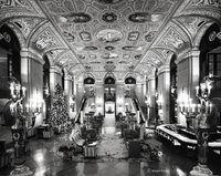 grand,lobby,chicago