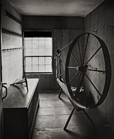 old,shaker,spinning,wheel,new,england,house
