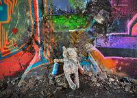 old,teddy,bear,graffiti,chicago,skyway