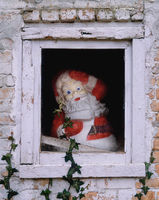 santa,clause,decoration,barn,window