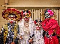 day,of,the,dead,family,celebration,chicago,pilsen,neighborhood