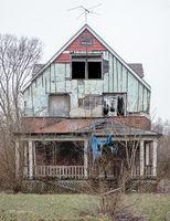 abandoned,home,rust,belt,graceful,death