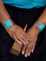 navajo,weaver,hands,comb,hubeel,trading,post,ganado,arizona