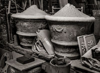 into,the,renaissance,period,terracotta,workshop,tuscany,italy
