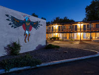 kachina,motel,taos,new,mexico,old,motel,at,night