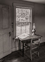 old,desk,lamp,maine,olsonhouse,olson,house,andrew,wyeth,was,here