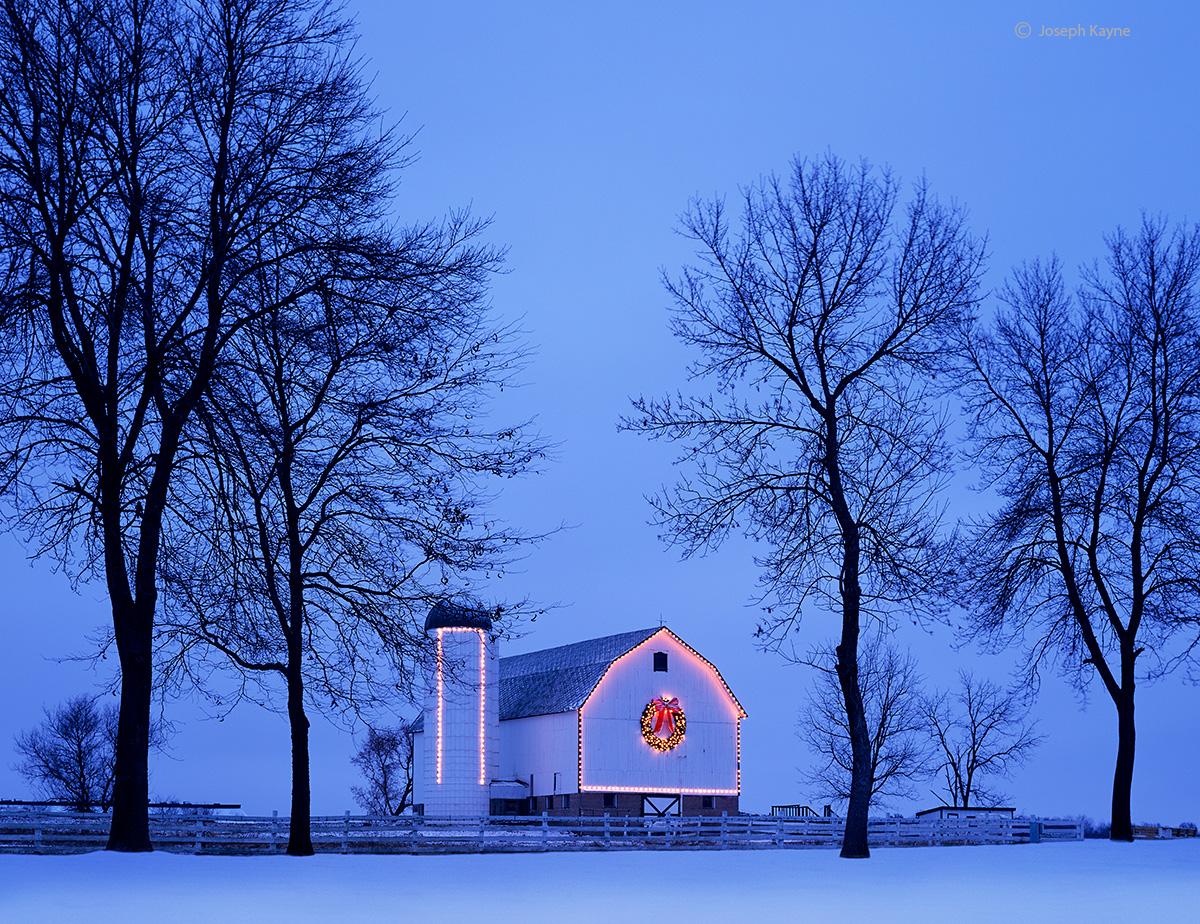 christmas,barn,wisconsin,winter, photo