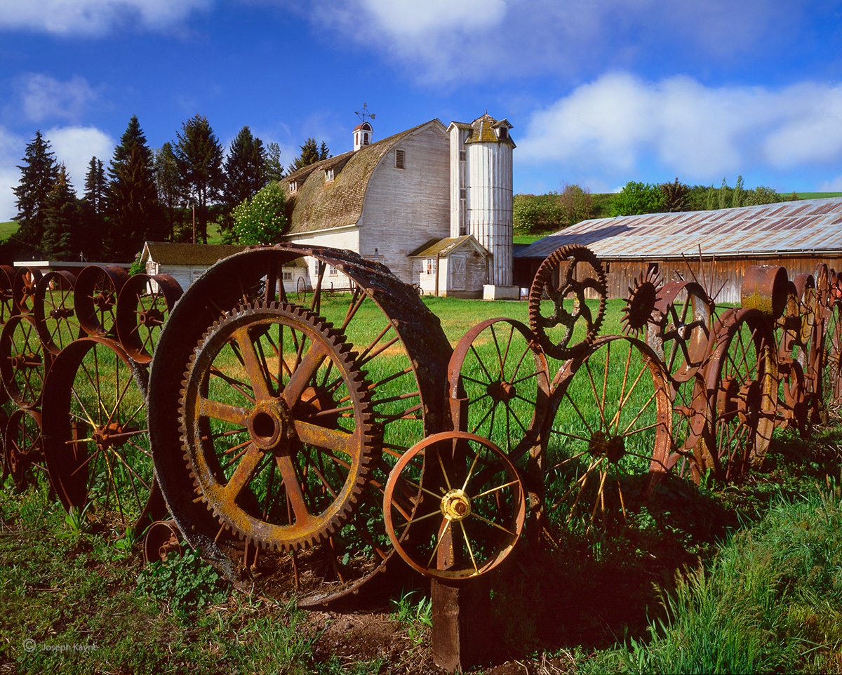 tractor,wheel,barn,washington, photo