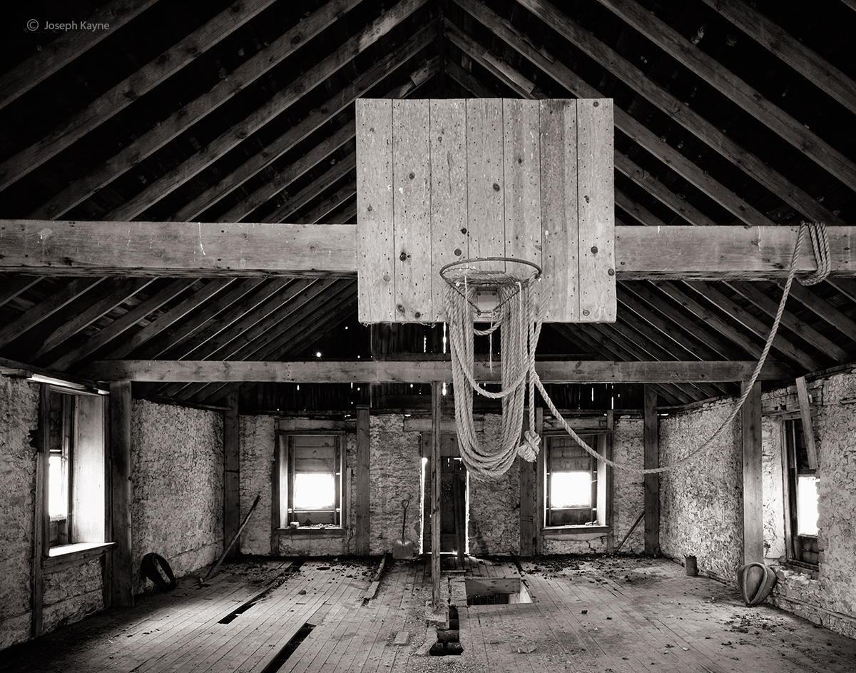 backetball,hayloft,wisconsin,barn,interior, photo