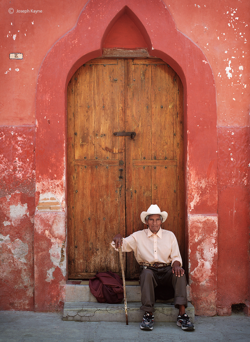 old,mexican,man,doorway,san,miguel,de,allende,mexico, photo