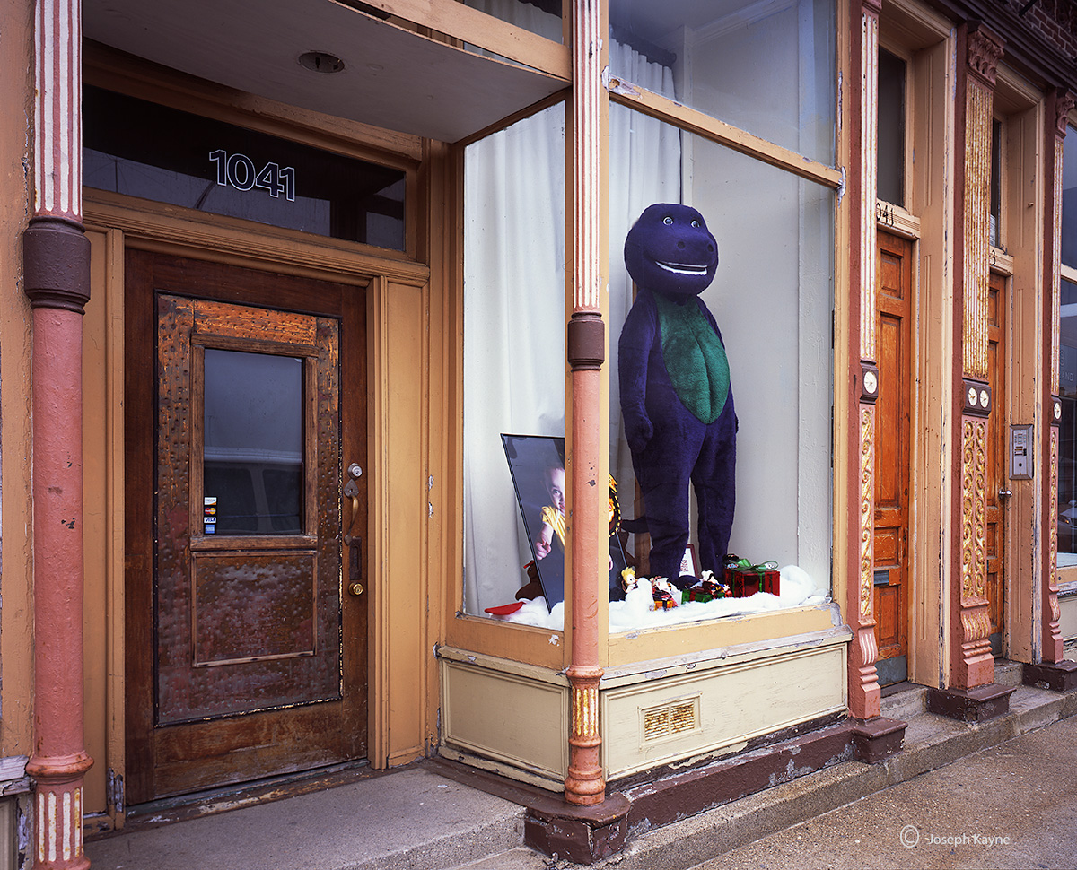 barney,chicago,storefront, photo