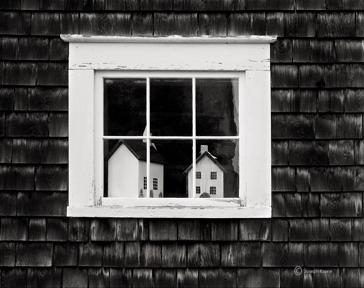 shaker,barn,new,england,old,window, photo