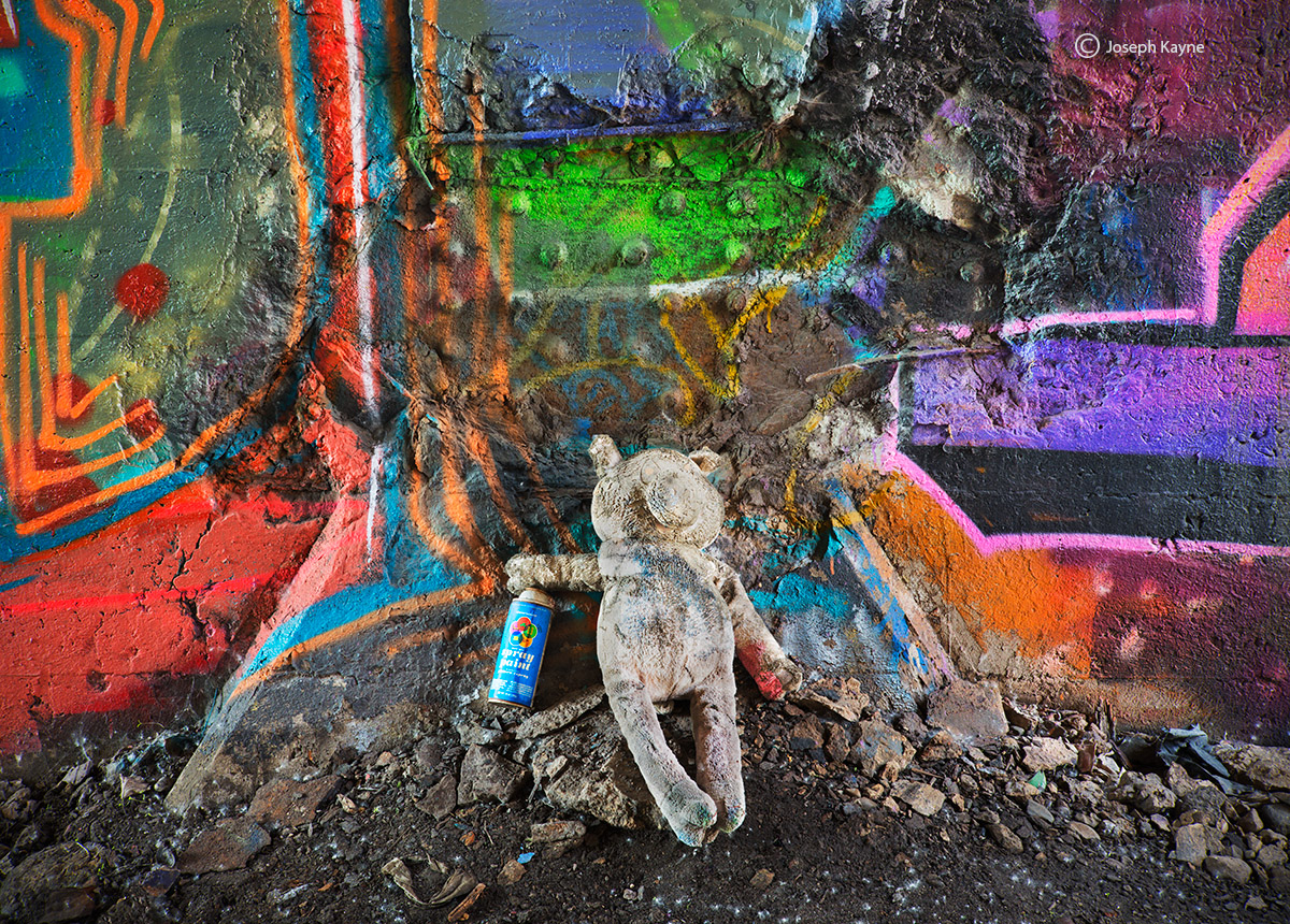 old,teddy,bear,graffiti,chicago,skyway, photo