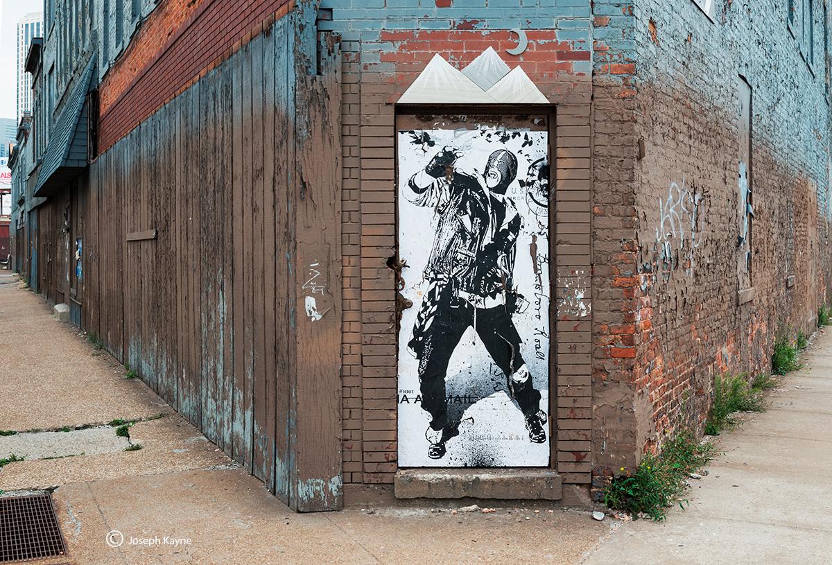 door,man,chicago,street,art, photo