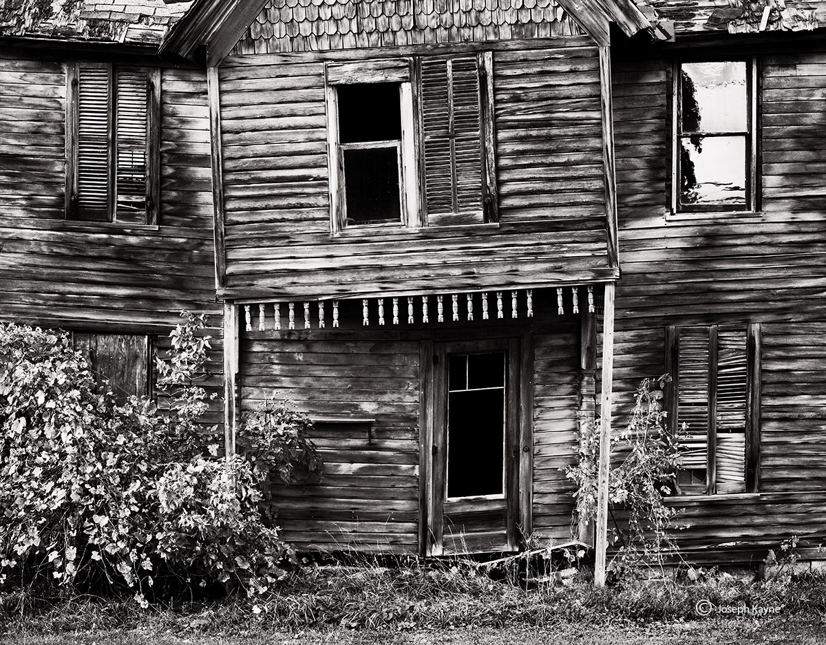 haunted,house,upstate,new,york,farmhouse, photo