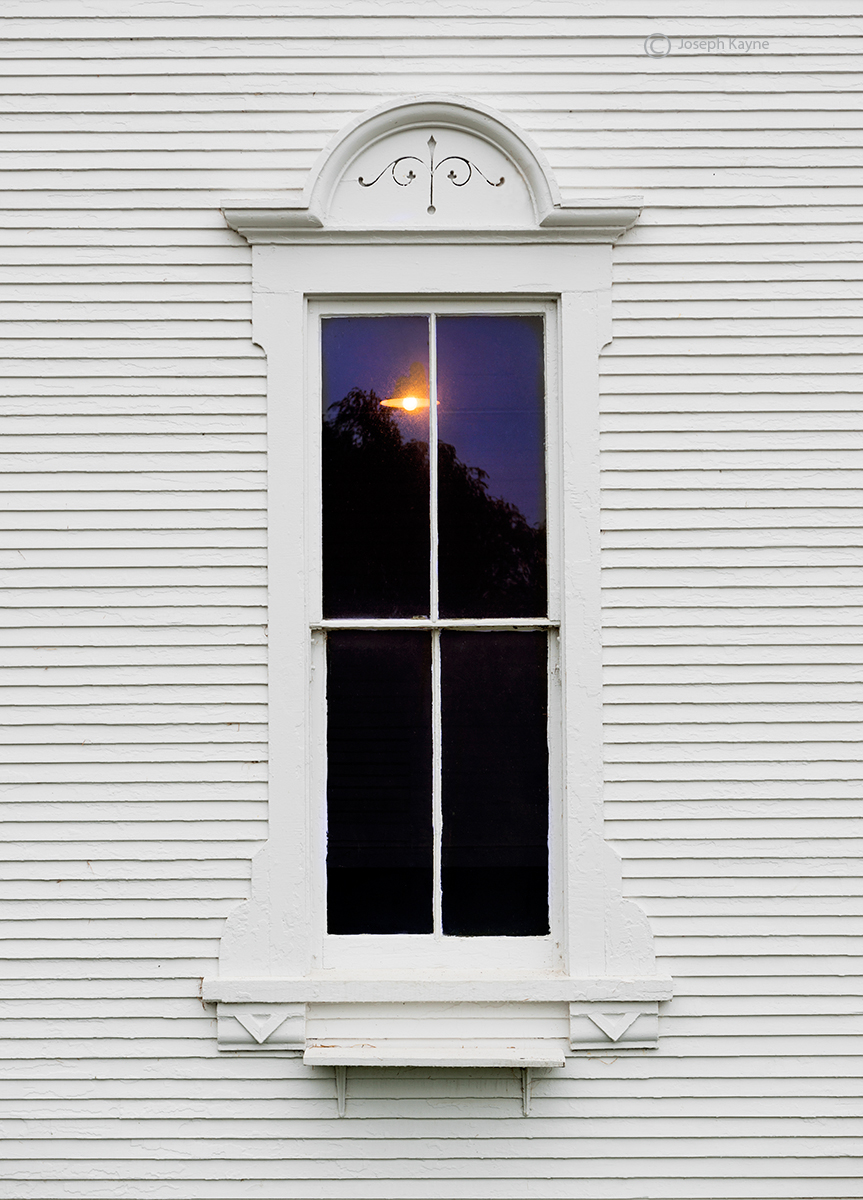 Barn Windo, New England