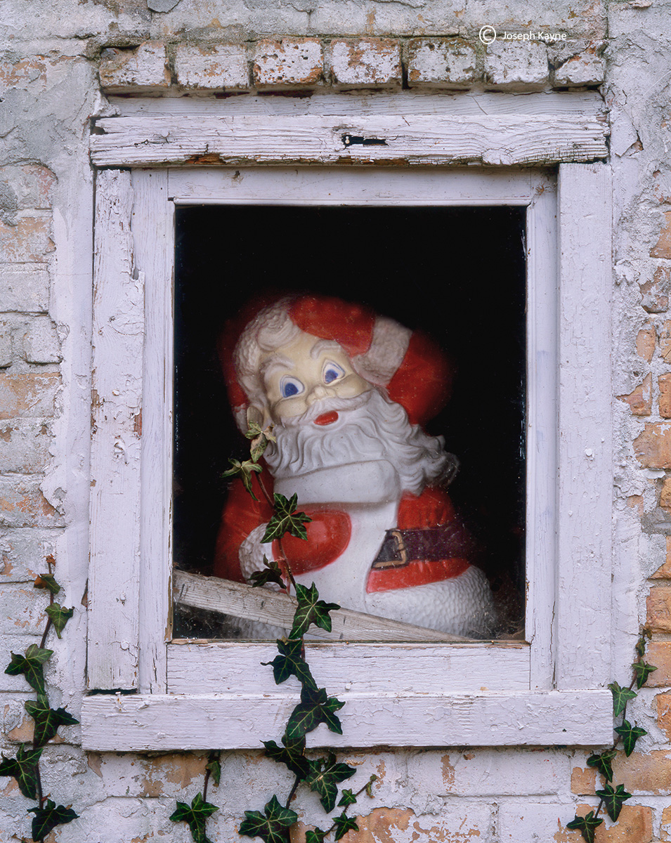 santa,clause,decoration,barn,window, photo