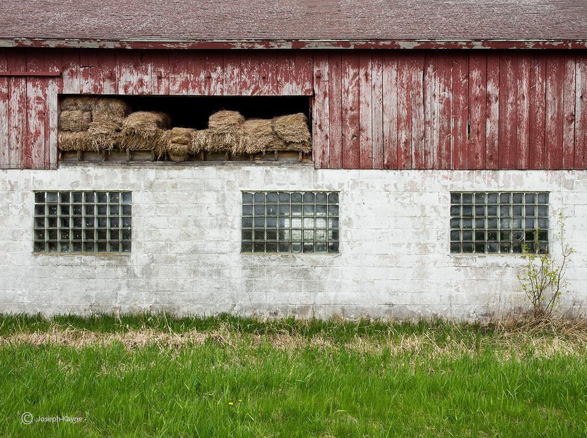 three,window,barn,side,wisconsin, photo