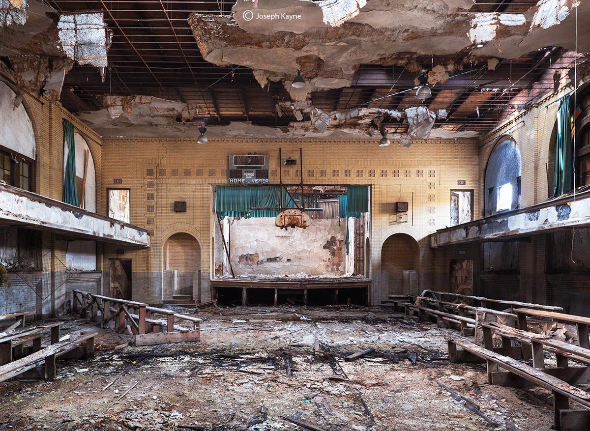 abandoned,church,gymnasium,decaying,gym,rust,belt, photo