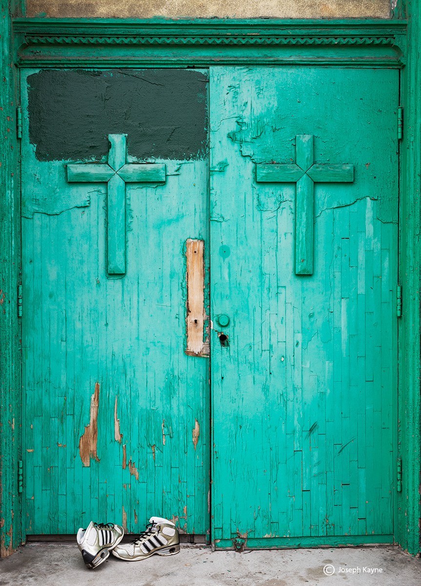 st,dominics,chicago,abandoned, church,doors,chicago, photo