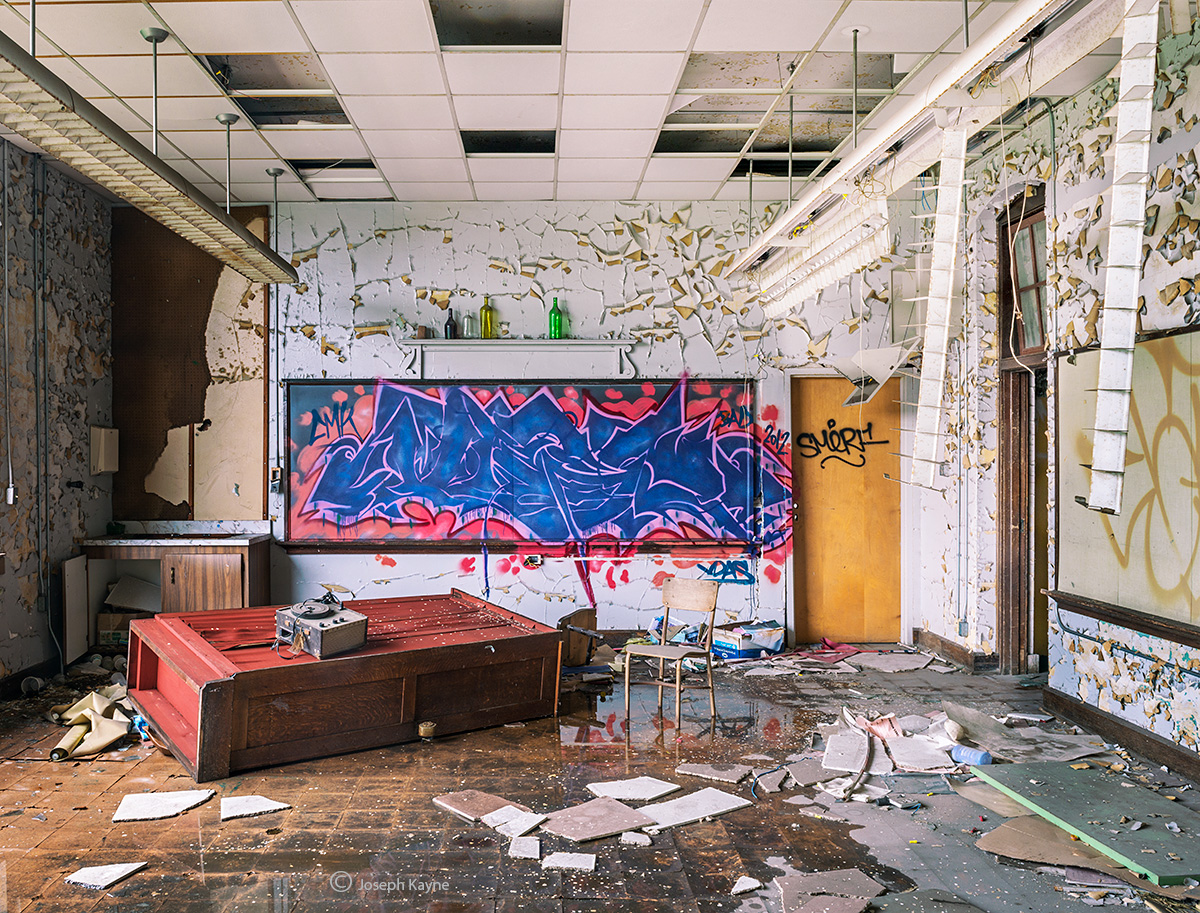 classroom,destruction,abandoned,school,rust,belt, photo