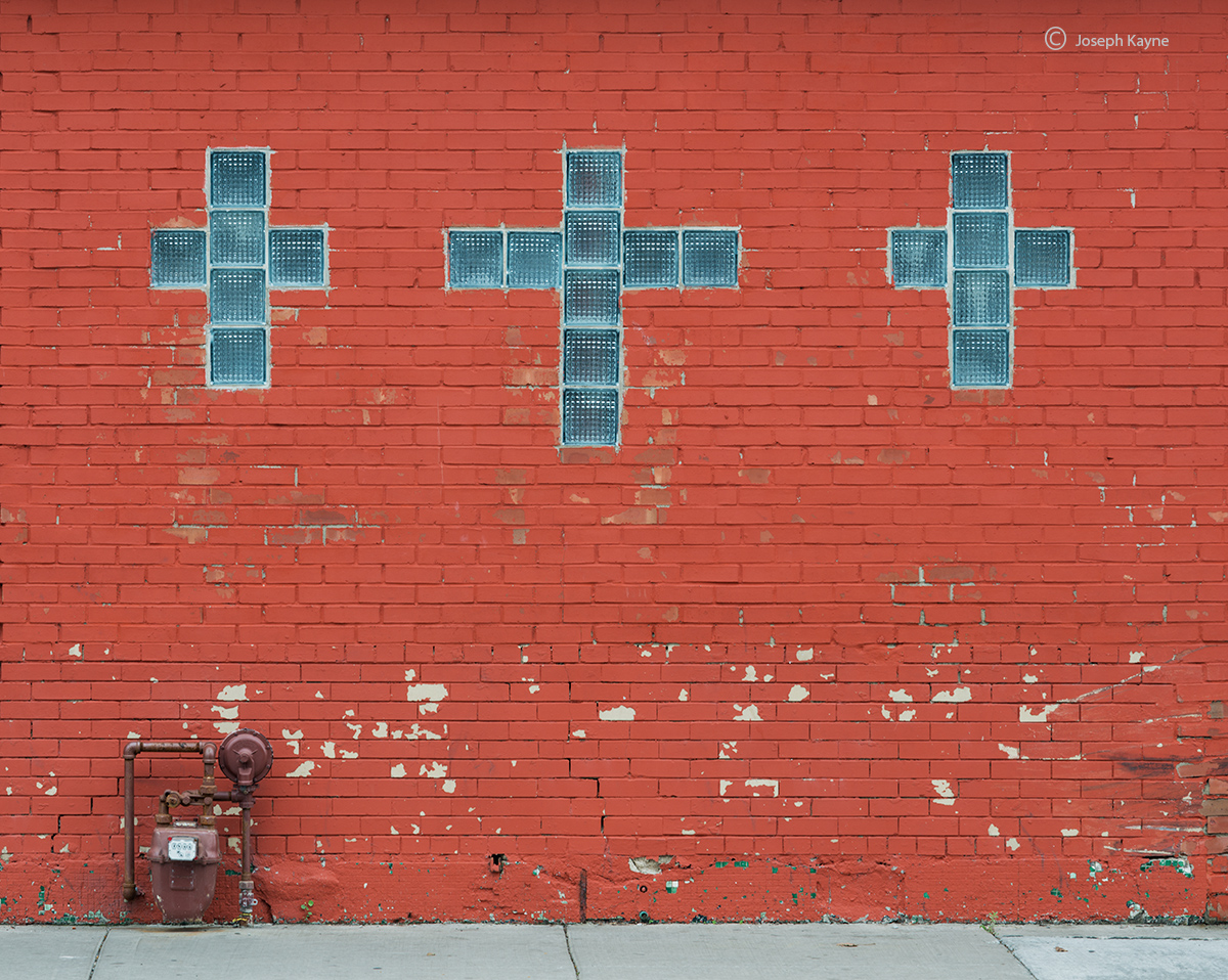 three-crosses,storefront,church,chicago, photo