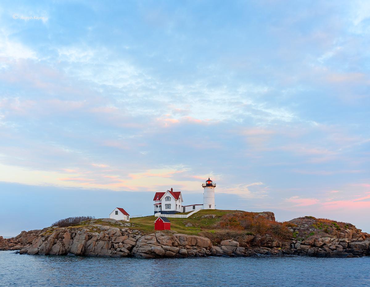 maine,lighthouse,dusk,blue,hour, photo
