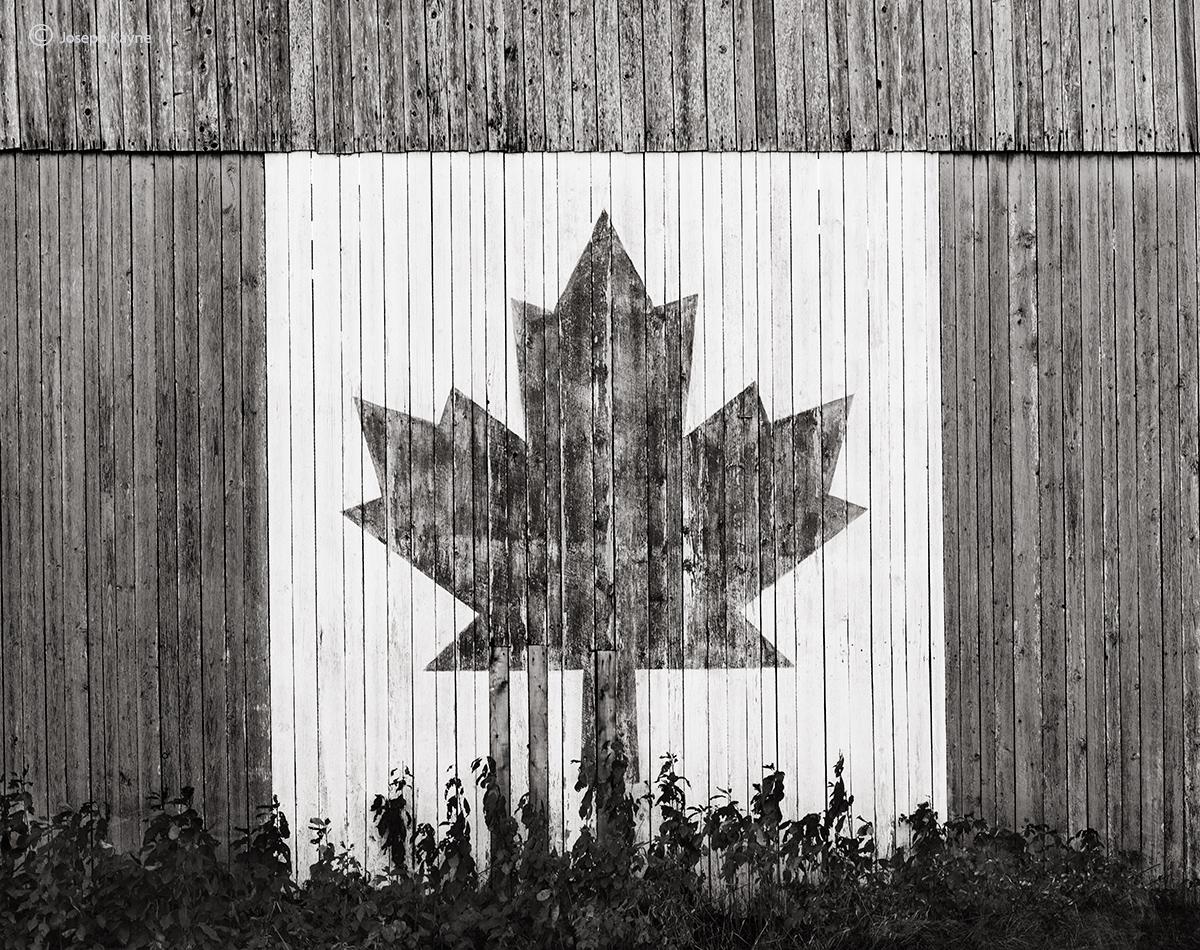 oh,chanada,new,brunswick,an,old,canadian,barn, photo