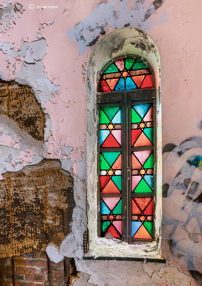 survivor,stained,glass,window,abandoned,jewish,synagogue,chicago, photo