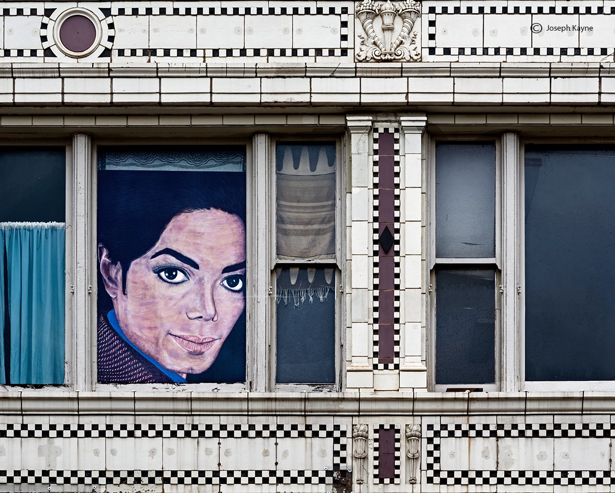 thriller.michael,jackson,painting,street,chicago, photo