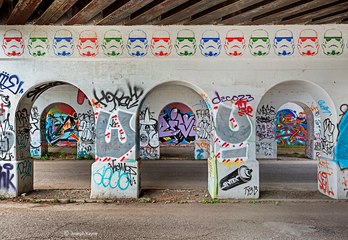 stormtrooper,graffiti,rust,belt,viaduct, photo