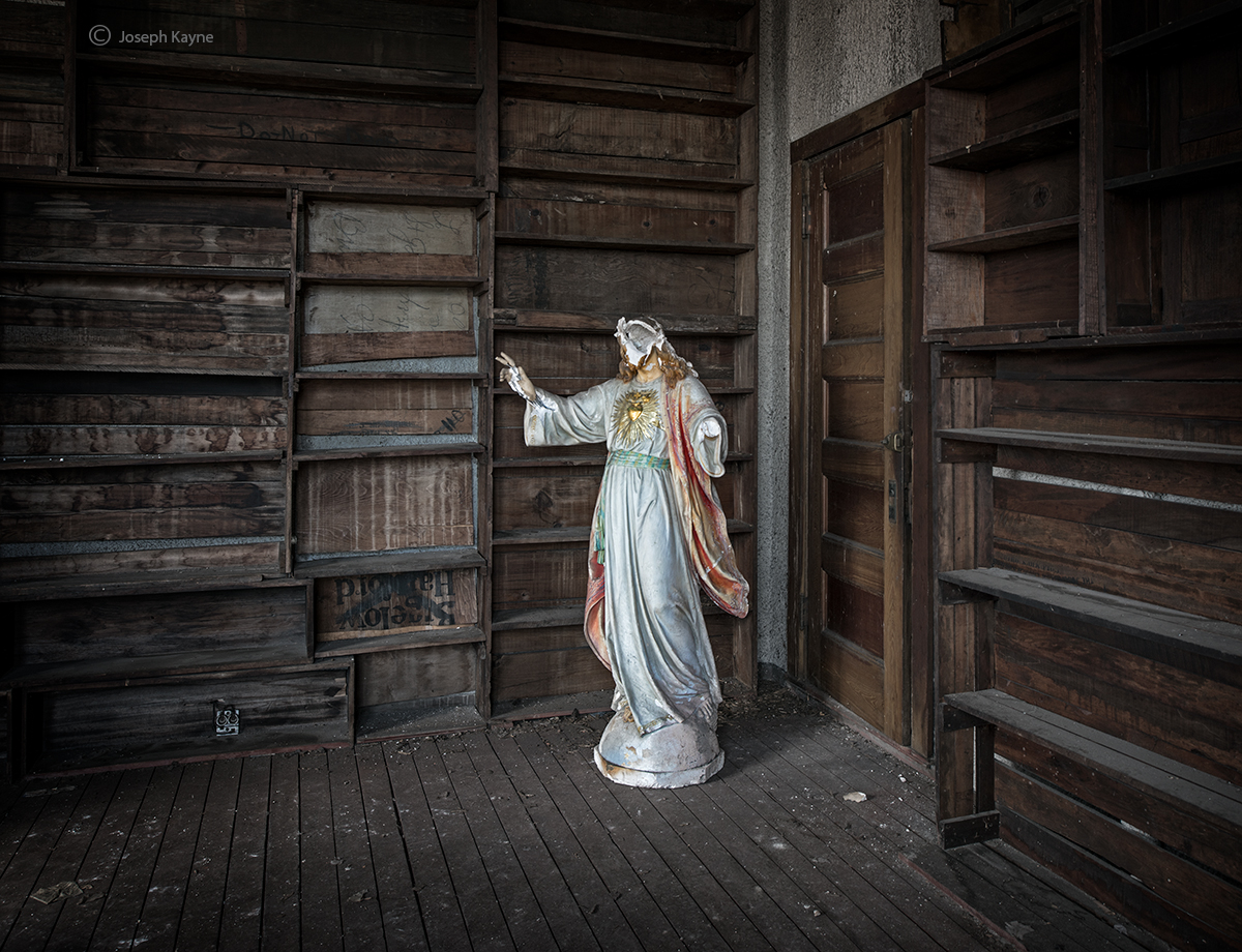in,the,attic,boston,church,jesus,statue, photo