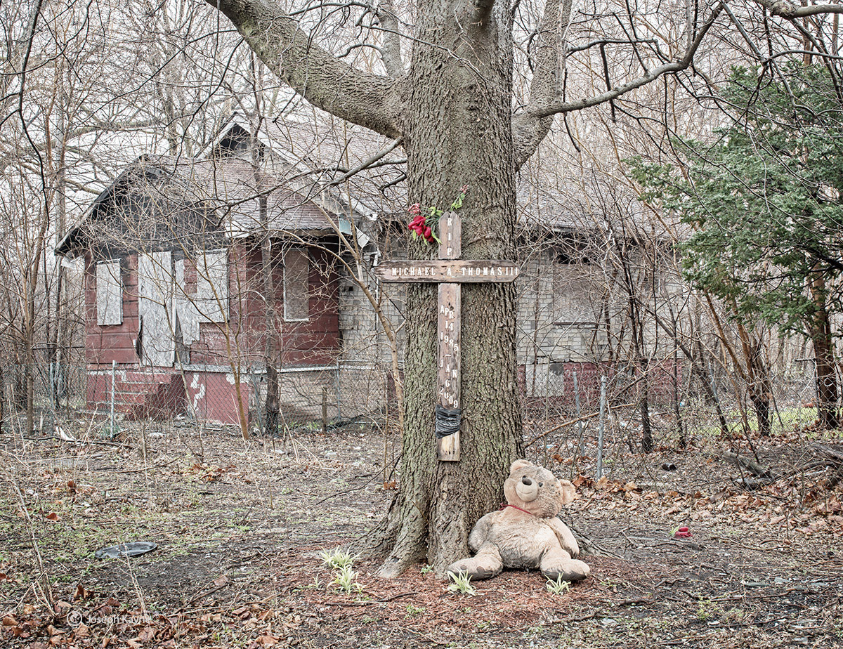 Abandoned House & Memorial