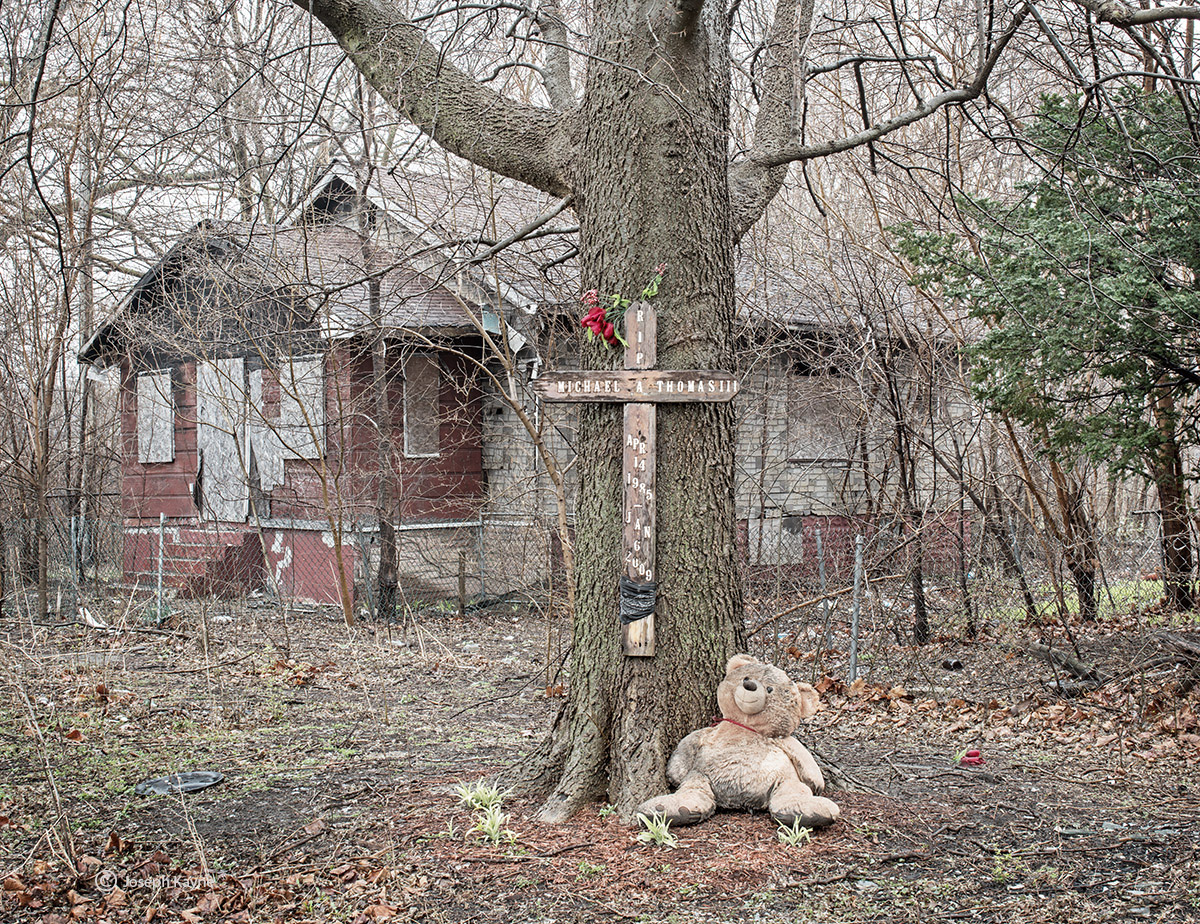 streetside,memorial,in,memory,of,michael,thomas,III, photo