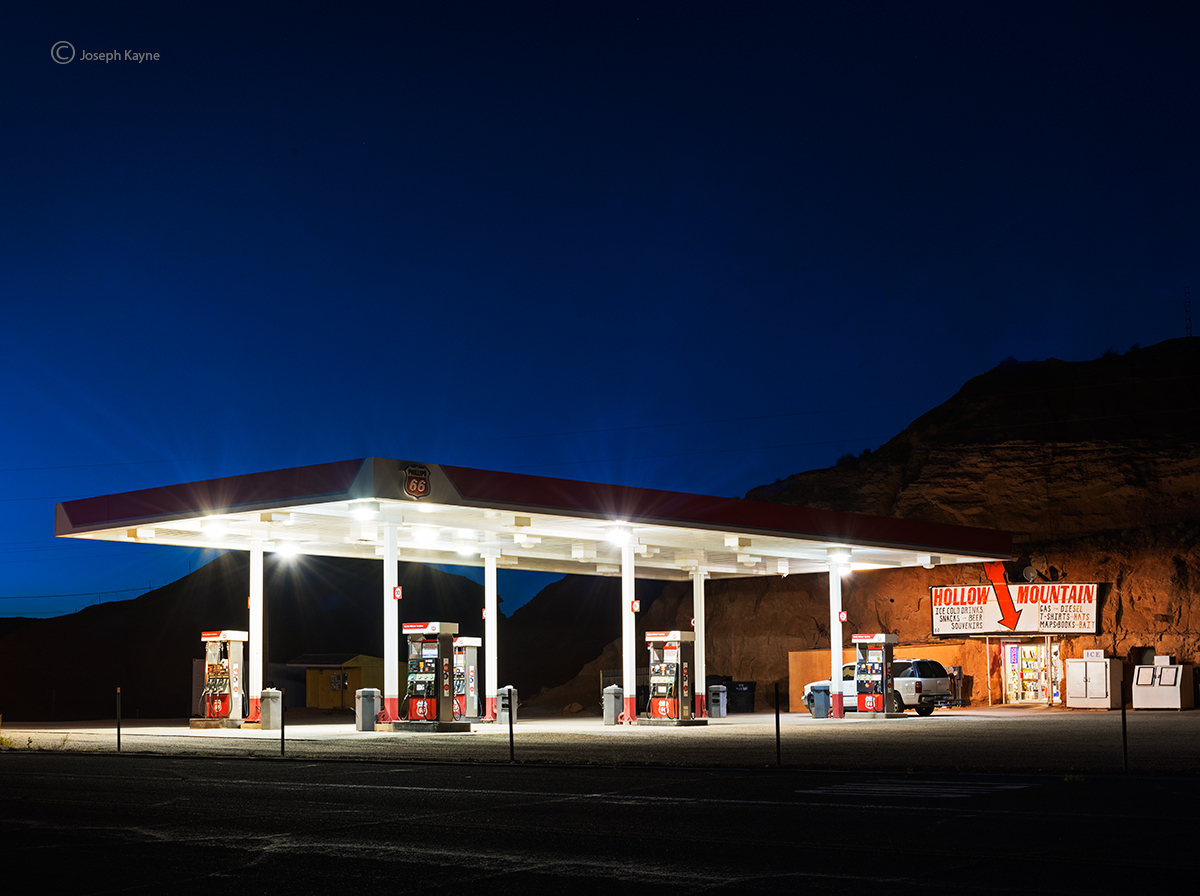 hollow,mountain,filling,station,caineville,utah,new,american,west, photo
