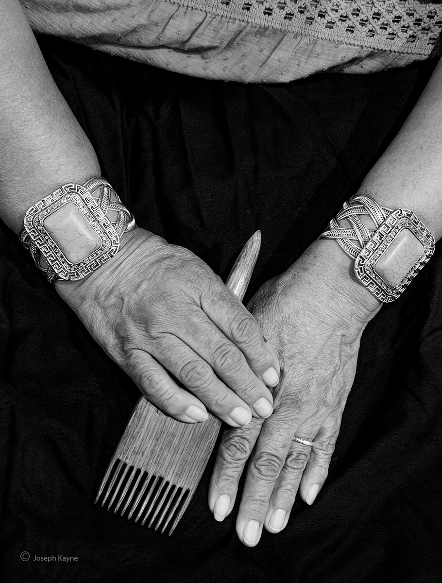 weavers,hands,navajo,hubbell,trading,post, photo