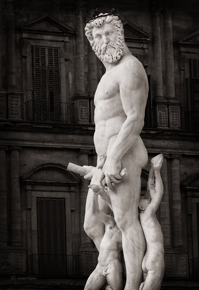 NeptuneThe Fountain of Neptune,Florence, Italy