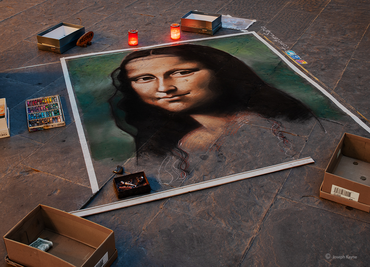 into,the,renaissance,period,monalisa,mona,lisa,chalk,art,florence,italy, photo