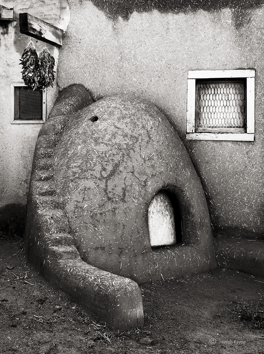 Adobe OvenTaos Pueblo