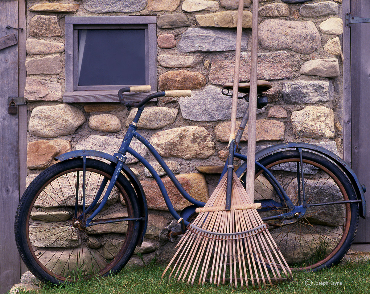 old,bicycle,rake,rhode,island,block,island,barn, photo